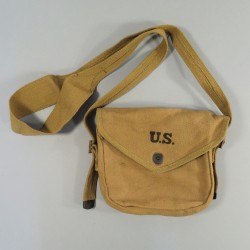 "POUCH US OU PORTE-CHARGEUR ""CAMEMBERT"" 50 COUPS CALIBRE 45 THOMPSON DATE 1942"