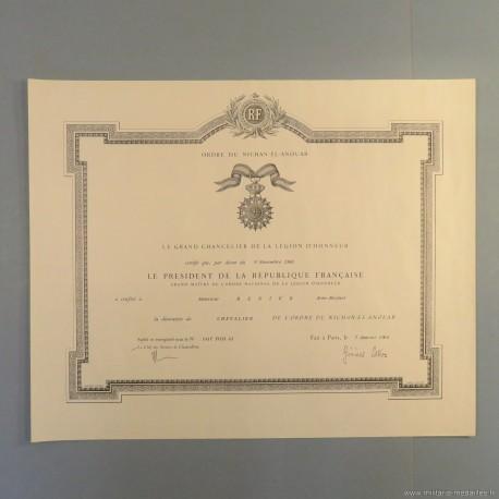 TADJOURA DIPLOME DE LA MEDAILLE DE CHEVALIER DE L'ORDRE DU NICHAN EL ANOUAR ATTRIBUE EN 1964 °