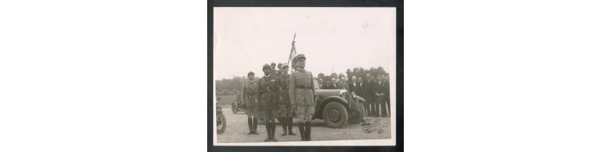 - ARCHIVES MILITAIRES ET PHOTOGRAPHIES DE 1918 A 1945 JOURNAUX