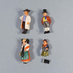 ALLEMAGNE LOT DE 4 MEDAILLES INSIGNES DE JOURNEES FIGURINES EN PORCELAINE