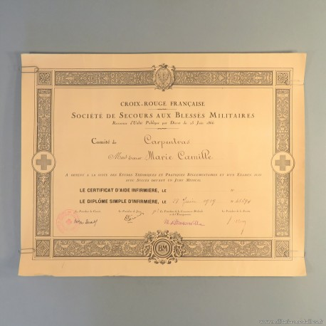 DIPLOME DE SIMPLE INFIRMIERE DECERNE A LA SOEUR MARIE CAMILLE EN 1939 CROIX ROUGE FRANCAISE