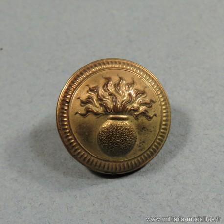 BOUTONS MILITAIRES DU 151 ème REGIMENT D'INFANTERIE DIAMETRE 2.1 cm EPOQUE 1870-1945