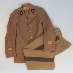 UNIFORME D'UN COMMANDANT DU SERVICE DE SANTE OU MEDECIN PRINCIPALE VAREUSE US ET PANTALON PERIODE 1943-1944