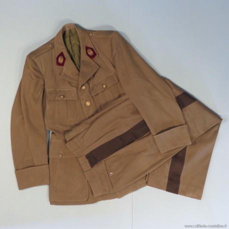 UNIFORME DU CAPITAINE CHAZEL DU SERVICE DE SANTE OU MEDECIN VESTE ET PANTALON DATES 1941