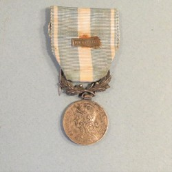 MEDAILLE COLONIALE FABRICANT A.D. MARIE AVEC BARRETTE TUNISIE 1942-43