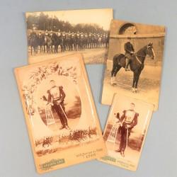 LOT DE 4 PHOTOS ET CARTES POSTALES D'UN CAVALIER DU 10 ème REGIMENT DE CUIRASSIERS VERS 1910 LYON