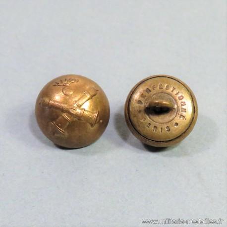 BOUTONS MILITAIRES ARTILLERIE FAB. PERFECTIONNE PARIS DIAMETRE 1.6 cm EPOQUE 1870-1945