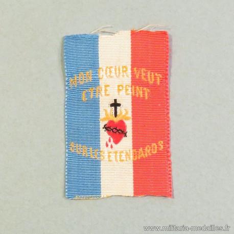 PETIT INSIGNE EN TISSU DU SACRE COEUR DE JESUS PORTE BONHEUR DES SOLDATS DE LA GUERRE 1914 1918