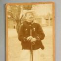 GRANDE PHOTO MILITAIRE CARTONEE LIEUTENANT DU 27 ème BATAILLON DE CHASSEURS ALPINS EN TENUE DE CAMPAGNE