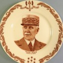 ASSIETTE ILLUSTREE DU MARECHAL PETAIN DIAMETRE 22 cm PORCELAINE DE LIMOGE 1940 - 1944