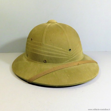 CASQUE TROPICAL US EN FIBRE MODELE 1940 KAKI SECOND TYPE US NAVY ET MARINS DATE 1944