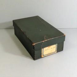 CEINTURON D'OFFICIER BOUCLE DOREES A TETE DE MEDUSE MODELE 1920-1931 ETAT NEUF EN BOITE AVEC SA DRAGONNE DE SABRE