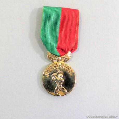 CAMEROUNE MEDAILLE DE CHEVALIER DE L'ORDRE NATIONAL DU TRAVAIL LABOR MEDAL °
