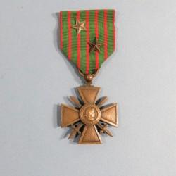 CROIX DE GUERRE 1914-1917 AVEC 2 ETOILES POUR CITATIONS A L'ORDRE DU REGIMENT OU DU BATAILLON 1914 1918