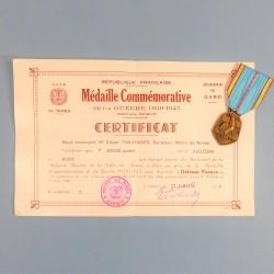 DIPLOME CERTIFICAT ET MEDAILLE COMMEMORATIVE GUERRE 1939-1945 POUR PARTICIPATION A LA DEFENSE PASSIVE DE LA VILLE DE NIMES