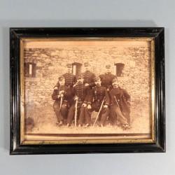 PHOTO MILITAIRE ENCADREE LES OFFICIERS DU 47 ème REGIMENT D'INFANTERIE DE LIGNE VERS 1880