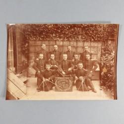 PHOTO CARTONNEE DU 21 ème REGIMENT D'INFANTERIE DE LIGNE SOUVENIR DE LA CLASSE 1895 HONNEUR AUX GONES DE LYON