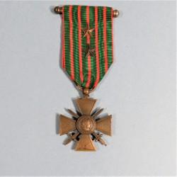 CROIX DE GUERRE 1914-1916 AVEC 2 ETOILES POUR CITATIONS A L'ORDRE DU REGIMENT OU DU BATAILLON GUERRE 1914 1918