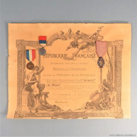 DIPLOME ET MEDAILLES MEDAILLE D'HONNEUR POUR UN CHEF DE GARE EN 1900 AU PONT DE BEAUVOISIN DANS L'ISERE