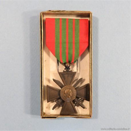 FRANCE CROIX DE GUERRE 1939-1945 DATE AU DOS 1939 EN BOITE CARTON FRENCH WAR CROSS