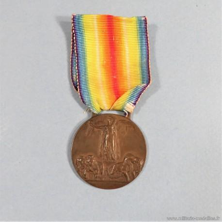 ITALIE MEDAILLE INTERALLIEE DE LA VICTOIRE DE LA GRANDE GUERRE 1914-1918 GRAVEUR S.JHONSON