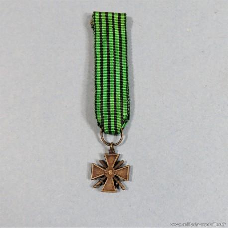 FRANCE REDUCTION DE LA MEDAILLE CROIX DE GUERRE OU CROIX DE VICHY ANCIENS COMBATTANTS CAMPAGNE 1939 1940