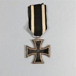 CROIX DE FER ALLEMANDE DE 2ème CLASSE 1914-1918 ANNEAU POINCONNE MILITARIA ALLEMAND WW1 IRON CROSS