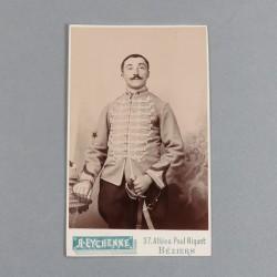 PHOTO CDV D'UN SOUS-OFFICIER ECLAIREUR DU 1 er REGIMENT DE HUSSARD CAVALERIE LEGERE VERS 1900